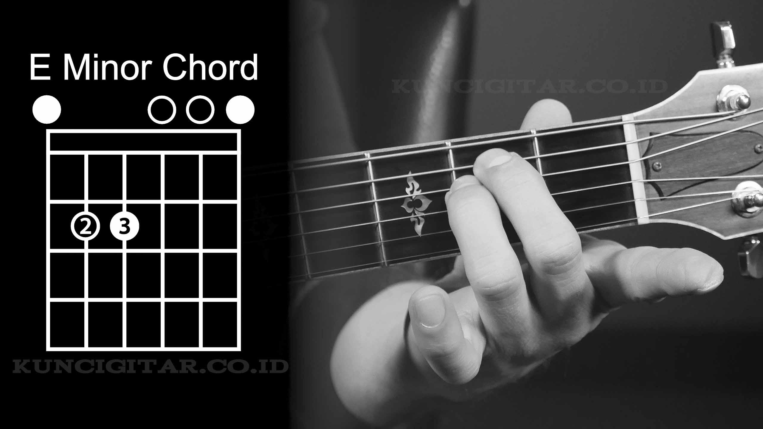 gambar kunci gitar e minor