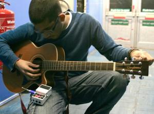 Cara merawat gitar dengan mudah tuneup gitar